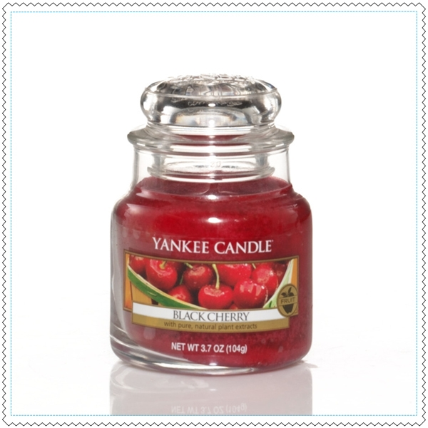 bougie yankee candle black cherry petite jarre yankee candle pickture. Black Bedroom Furniture Sets. Home Design Ideas
